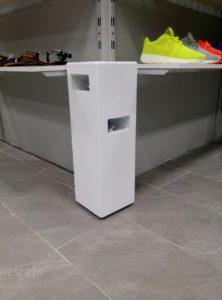 Напольное оборудования для ароматизации от компании Мидсан в обувном магазине