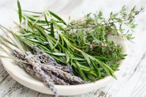 white tea & thyme aroma